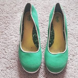 Keds Shoes - Psychobilly green platform pumps!